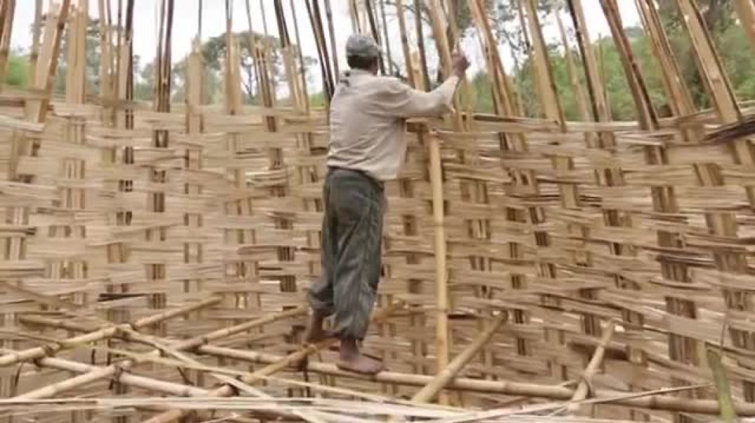 Kmtyw  (Black People) Bamboo house  building.