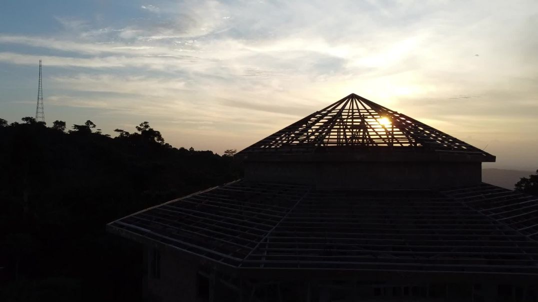 xmnw Part IIIII: Final Roofing Woodwork at Sunset - Fly with me and be INSPIRED